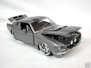 Jada Toys 1967 Ford Shelby GT 500 1/24 Diecast Car grey