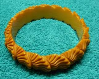 Vintage Carved Bakelite Shell Bangle   Butterscotch