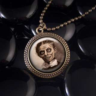 Creepy Haunted Mansion Zombie Halloween Horror Ghost Bronze Necklace