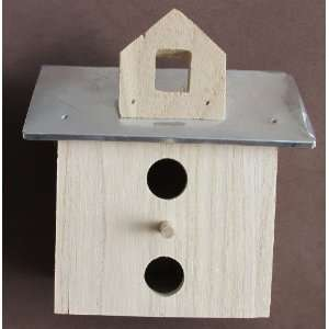 WOOD BIRDHOUSE w METAL A Line Roof BIRD HOUSE Arts, Crafts & Sewing
