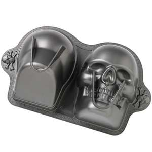 Wilton Dimensions 3 D Scary SKULL CAKE PAN Halloween