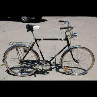 Vintage 1969 Schwinn DeLuxe Racer Mens Bicycle Bike Black all Original