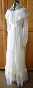 Romantic Renaissance Bridal / Wedding Full Length Vintage Dress sz M