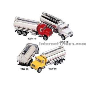 Boley HO Scale International 4900 3 Axle Oil Tanker   Red