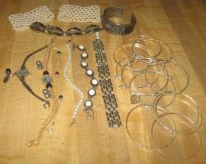 LOT 21 VINTAGE ETHNIC MODERN COSTUME BRACELETS 1 MONET