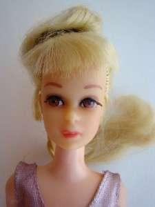 FRANCIE GROWIN PRETTY HAIR Doll #1129 1970 with dress & pink shoes