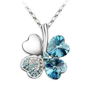 Leaf Clover Pendant Necklace, Free 18 Chain   BEAUTIFUL Jewelry