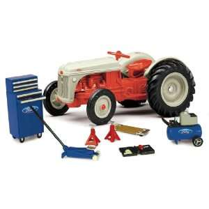 1:16 Ford 8N Restoration Kit: Toys & Games